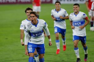 Universidad Católica logra revitalizador triunfo en Copa Libertadores con gran actuación de sus canteranos
