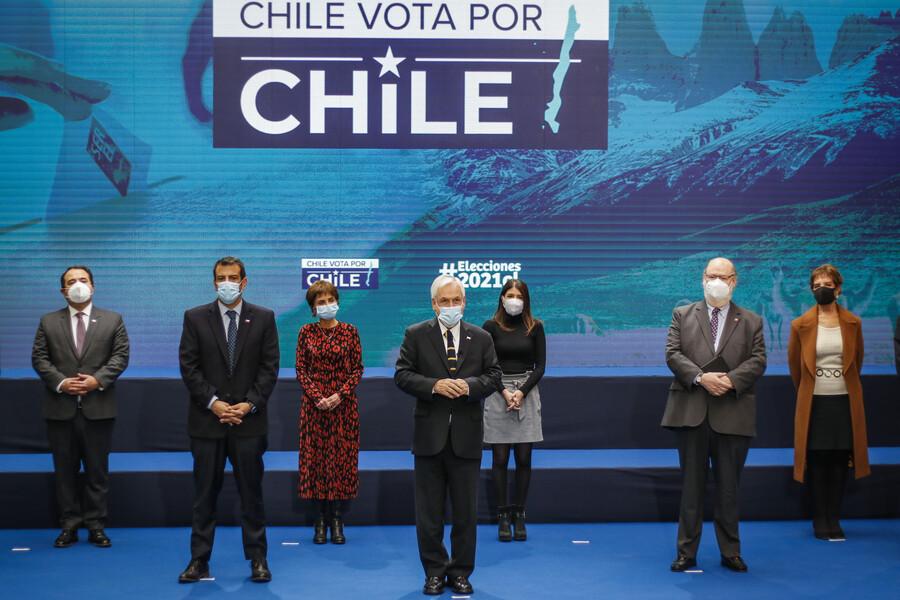 Piñera anuncia cambios en el toque de queda durante las elecciones y permisos para ir a votar