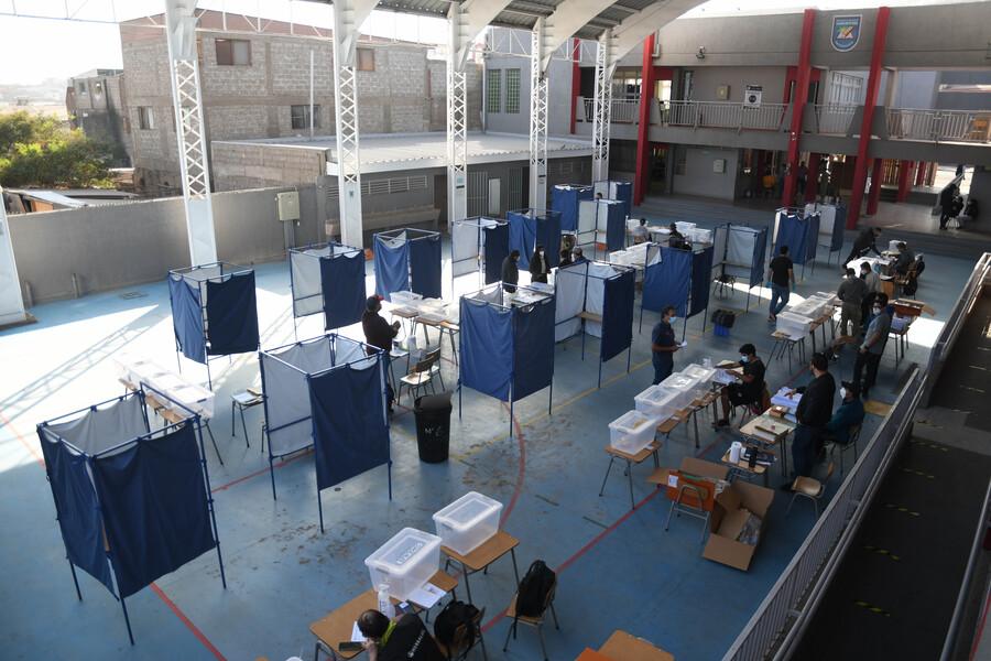 🔴 SEÑAL EN VIVO| #Elecciones2021CL por El Desconcierto: 94,3% de las mesas ya están constituidas