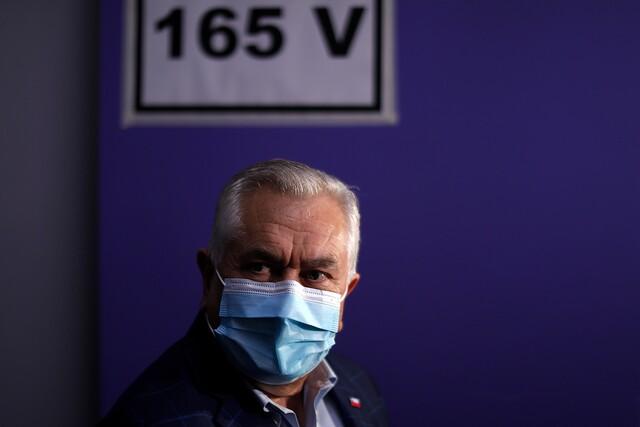 Ministro Enrique Paris tras acudir a votar: «Esta elección es diferente a las otras»