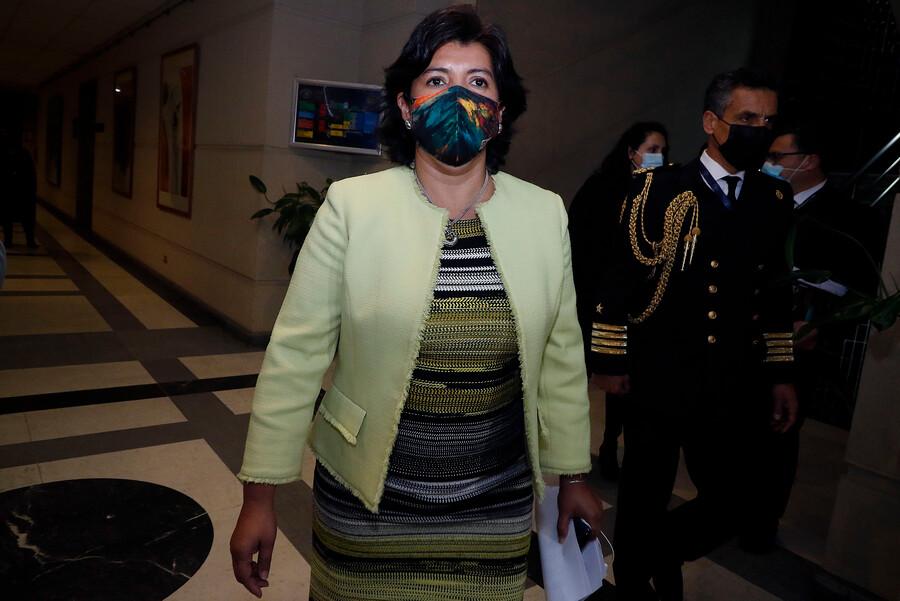"""Provoste revela llamado de Chahín por primarias y lanza dura crítica a dirigencia DC: """"Siguen optando por esconder su fracaso"""""""