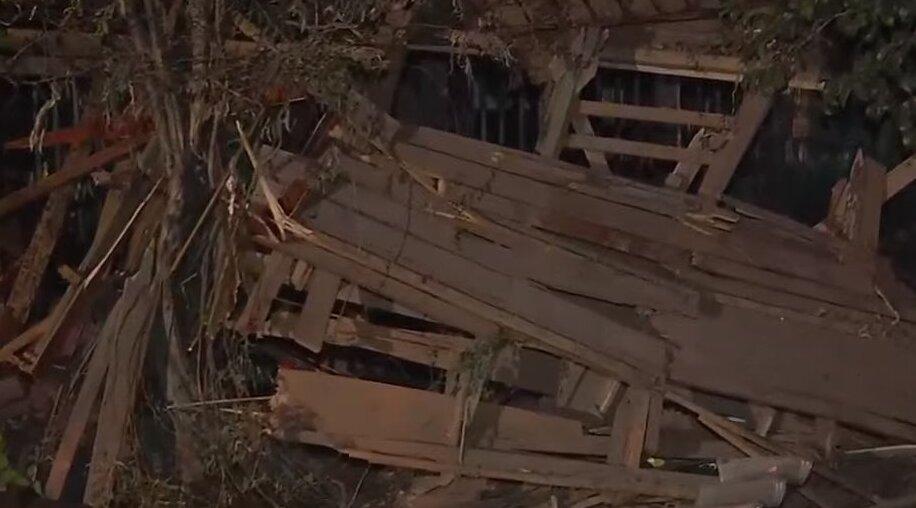 El Bosque: Adulta mayor queda en riesgo vital luego de explosión de gas que destruyó su vivienda