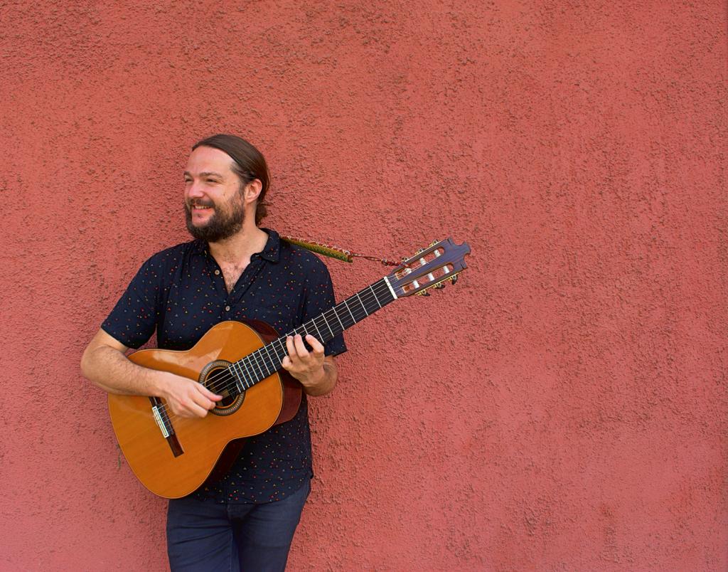 Nano Stern presenta EP acústico con versiones a trío y una canción inédita contingente