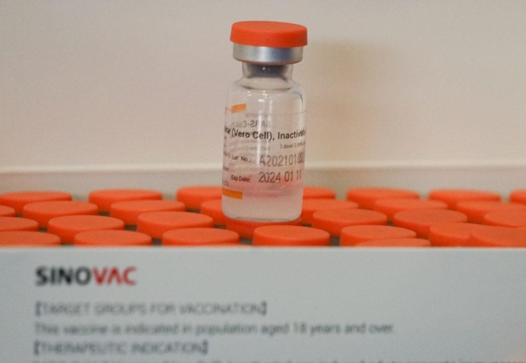 Vacuna Sinovac tiene 90,3% de efectividad para prevenir el ingreso a UCI por coronavirus