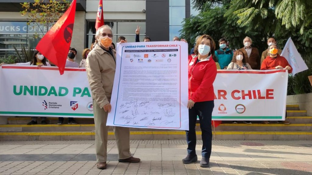 Candidatos de oposición en La Reina firman compromiso político para el proceso constituyente