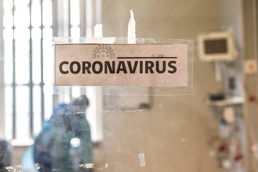 Ministerio de Salud reporta 1.861 casos de COVID-19 con 61 comunas avanzando en el Plan Paso a Paso