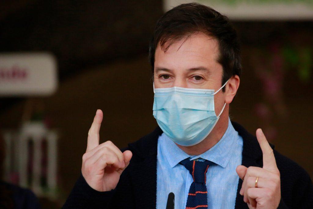 """Ministro Palacios preocupado por crisis de Evergrande: """"Estamos hablando de un monstruo"""""""