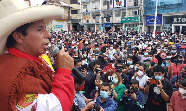 """Comando de Pedro Castillo acusa """"amenaza de golpe"""" ante supuesta maniobra del Jurado Electoral de Perú"""