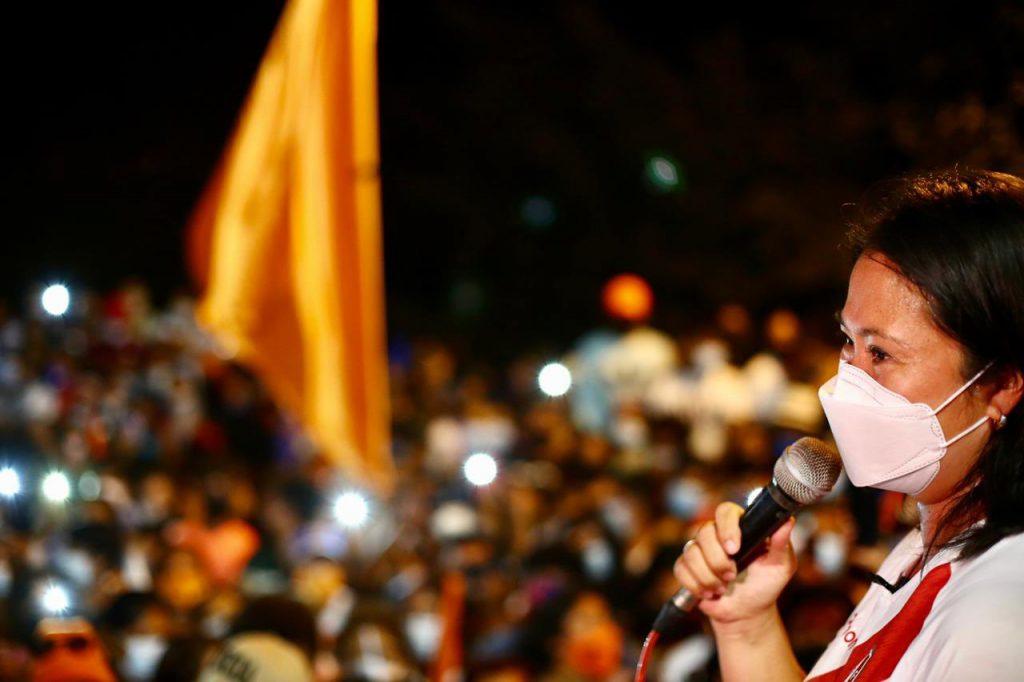 En medio de disputa por el sillón presidencial de Perú, fiscal pide prisión preventiva para Keiko Fujimori
