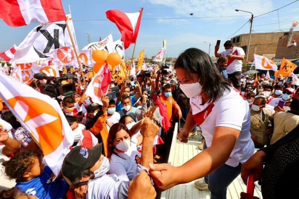 """""""Los votantes de Castillo no deben saber ni leer"""": El racismo entró en campaña en la contienda electoral de Perú"""
