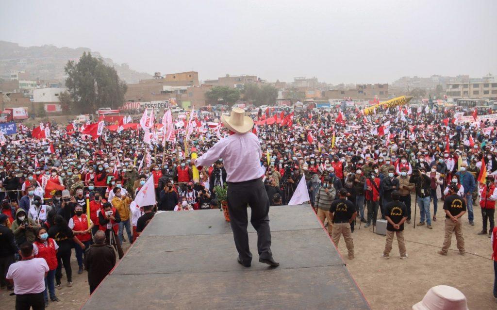 Castillo asume rol de presidente electo de Perú pese a que todavía no hay proclamación oficial