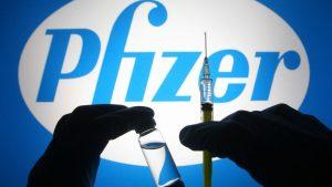 Minsal confirma que vacunados con AstraZeneca menores de 45 años serán inoculados con Pfizer