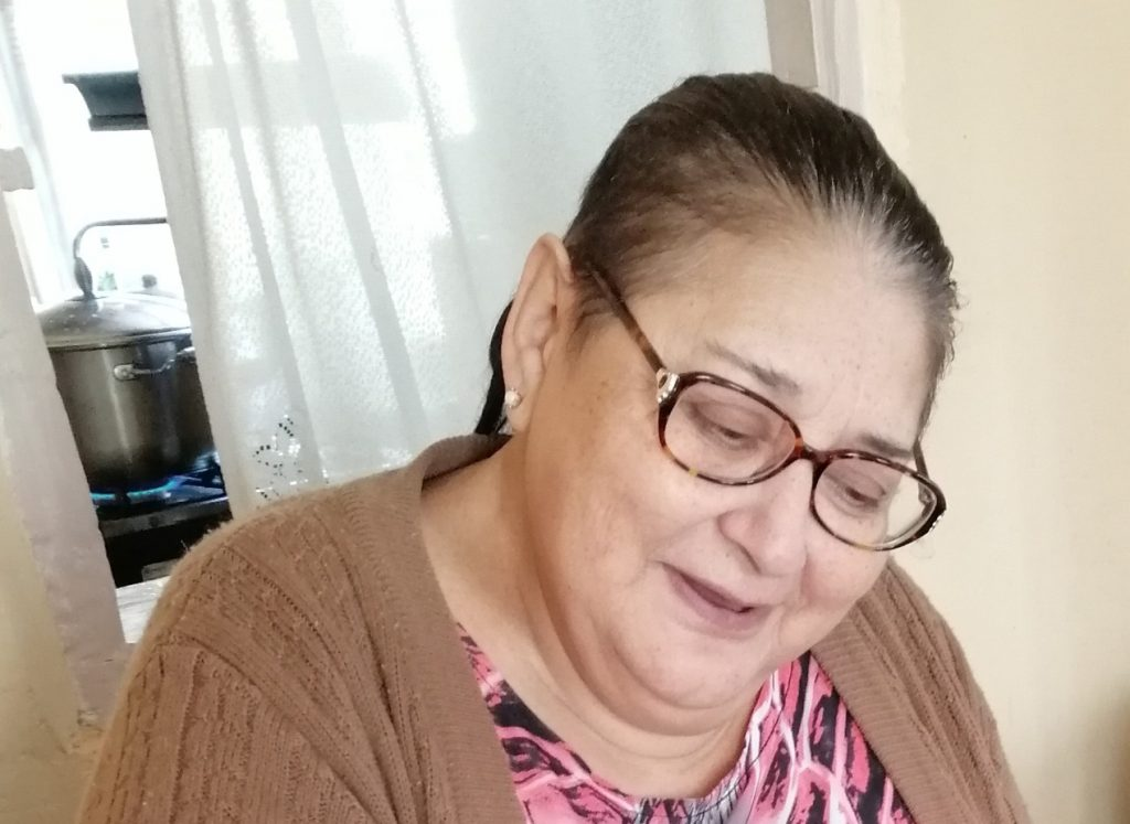 Paciente ingresa por problemas renales y termina fallecida por COVID-19: Familiares denuncian negligencia en Hospital Regional de Coyhaique