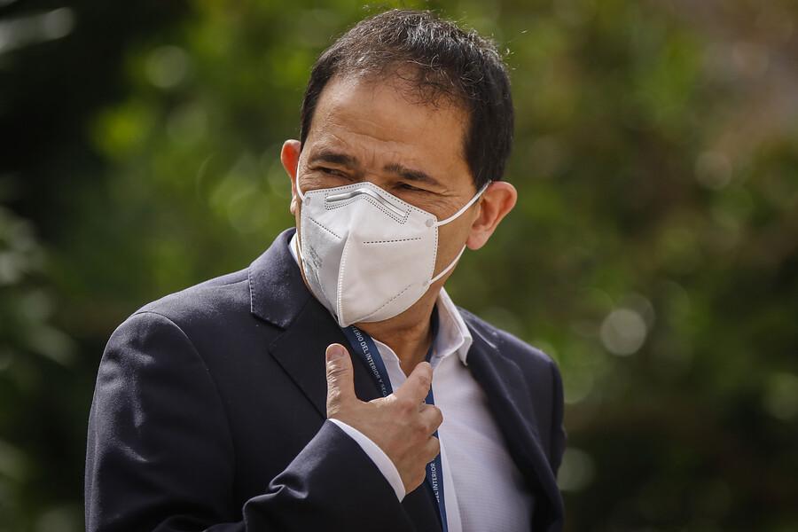 Asociación de funcionarios del INDH anuncia paralización y exige salida de Sergio Micco