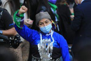 """Elisa Loncon sobre proyecto de indulto a presos de la revuelta: """"Soy profesora y quiero a los jóvenes libres"""""""