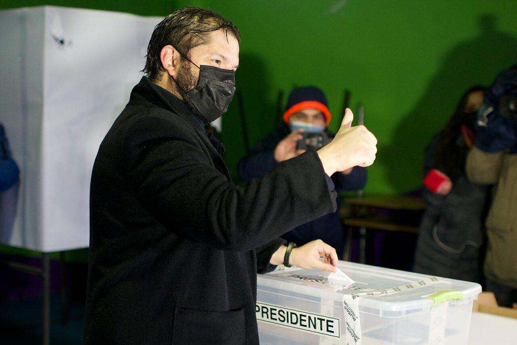 Gabriel Boric comienza a liderar en las encuestas y habla del rol de Daniel Jadue en su campaña presidencial