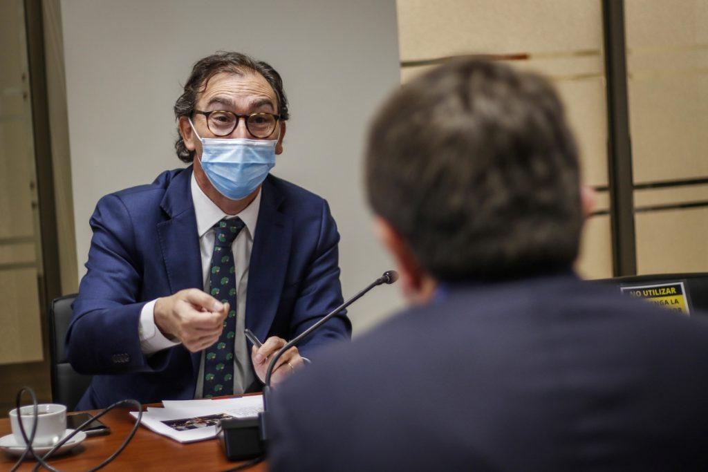 Orrego le exige a Figueroa garantizar condiciones sanitarias para retorno a clases