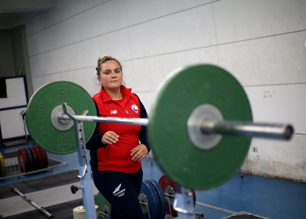 Malas noticias para el Team Chile: María Fernanda Valdés se lesiona a días de viajar a los JJ.OO.