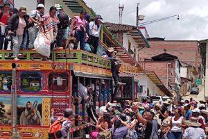 Crisis humanitaria: Más de 4 mil personas atrapadas por la violencia y las lluvias en Colombia