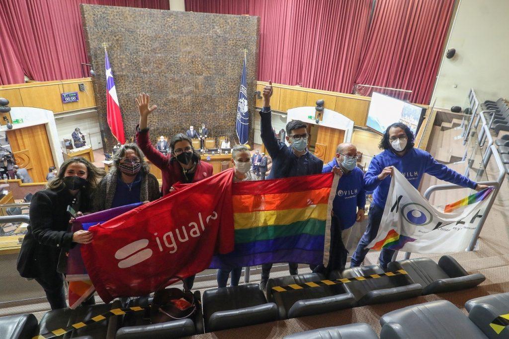 Movilh pide que comisión despache el matrimonio igualitario en agosto