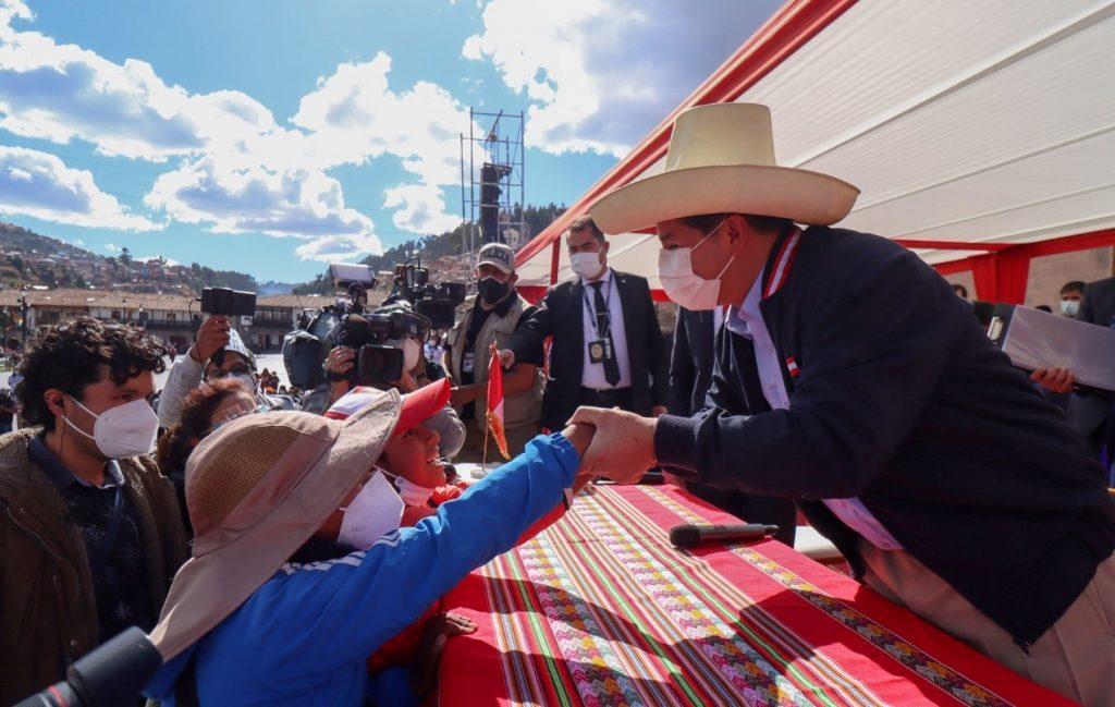 """Tras su oficialización, Pedro Castillo llama """"a la más amplia unidad del pueblo peruano"""""""