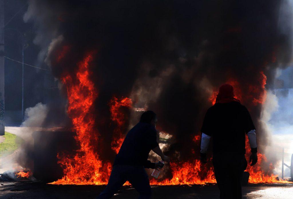 VIDEO  Pescadores artesanales intensifican protesta por Bono Pyme y emplazan a Piñera dar solución