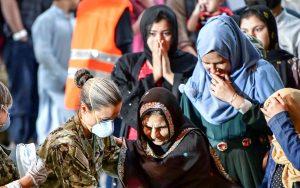 Talibanes: Afganas podrán ir a la universidad pero sólo con profesoras en salas segregadas