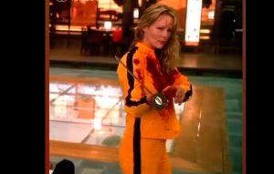 """VIDEO  """"Algo parecido son mis días"""": Cathy Barriga sube video montaje de Uma Thurman en Kill Bill con su cara"""