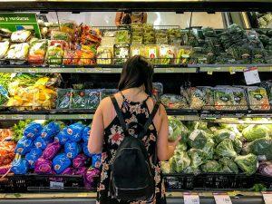 #ExigeAlternativas: La campaña que insta a grandes supermercados a ofrecer pasillos a granel libres de plásticos
