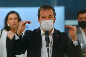 """""""Aunque la mona se vista de seda…"""": Ministro Palacios critica indicaciones a cuarto retiro"""