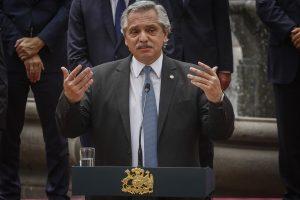 Ministros de Argentina ponen cargo a disposición tras derrota del gobierno en elecciones