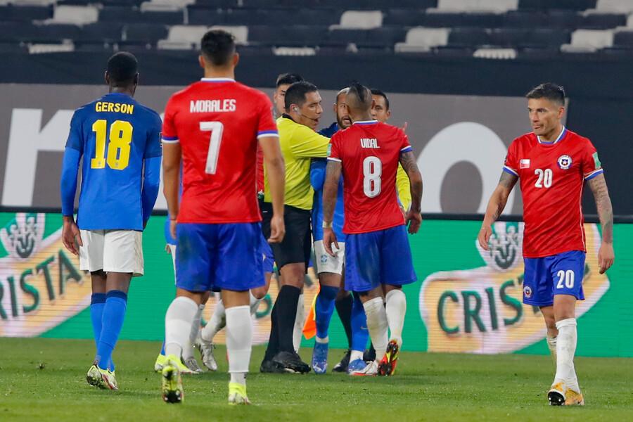Fecha triple de Clasificatorias: Los árbitros de la Roja ante Perú, Paraguay y Venezuela