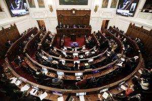 Convención aprueba 30 artículos de su reglamento: Bassa y Loncon dejarán la mesa en enero