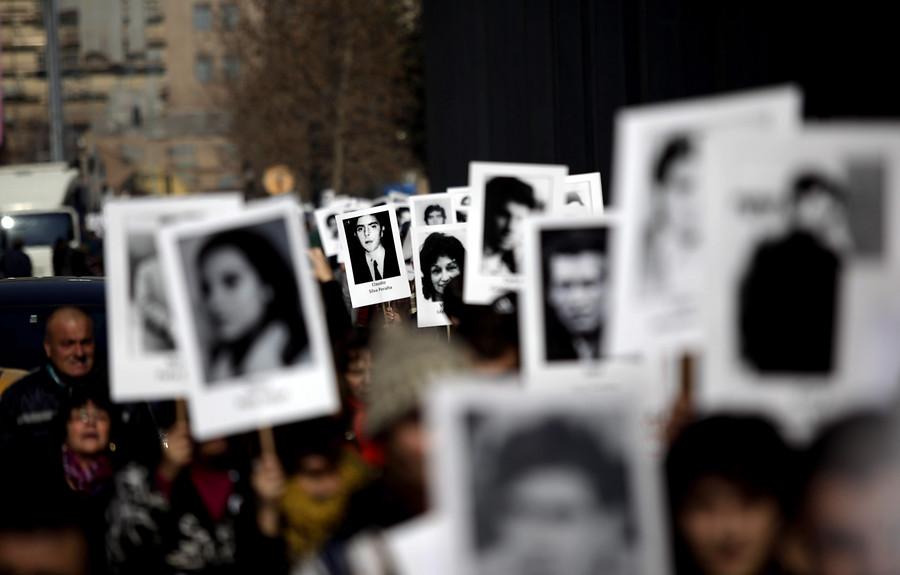Historias desobedientes: Hijos de violadores a los derechos humanos reniegan de sus padres
