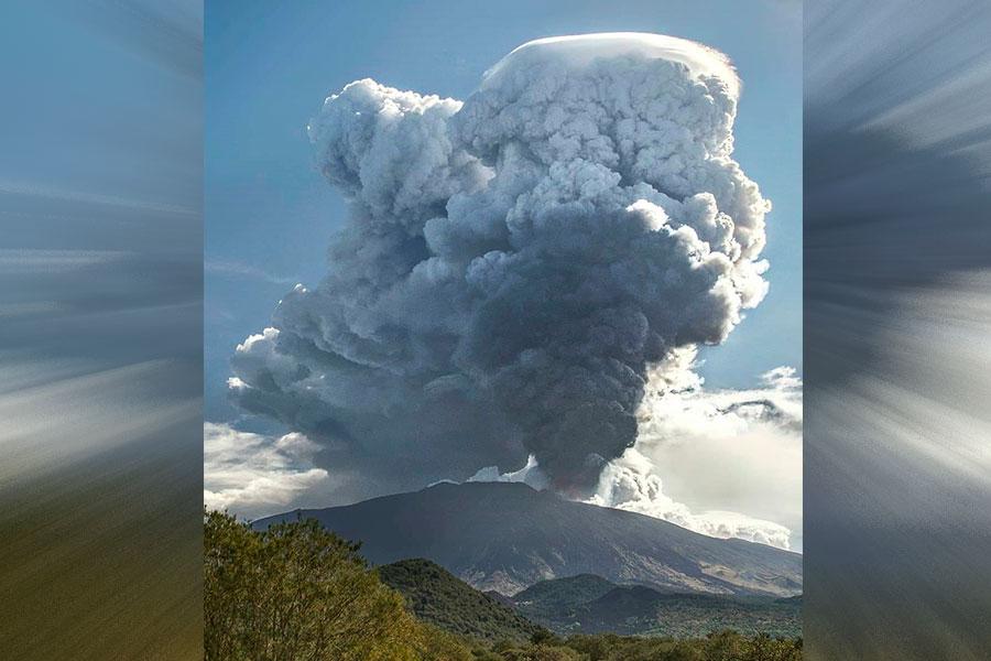 VIDEO  Volcán Etna también despierta en Europa: Macizo italiano arrojó lava y cenizas