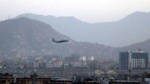 """EE.UU. admite que mató por """"trágico error"""" a siete niños en ataque con drones en Kabul"""