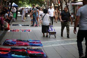 Desempleo en el Gran Santiago queda bajo los dos dígitos por primera vez en pandemia