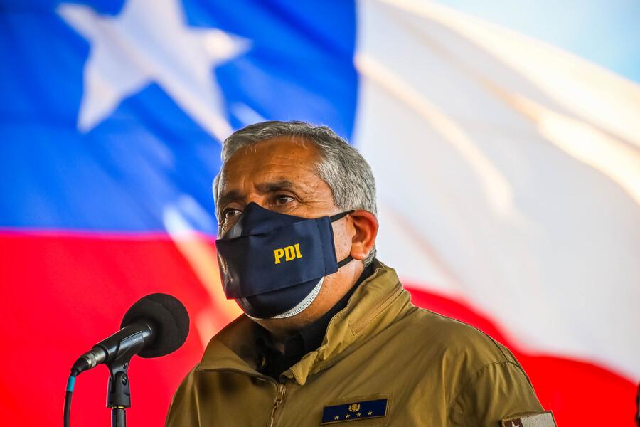 Fiscalía pide la prisión preventiva para exdirector de la PDI, Héctor Espinosa