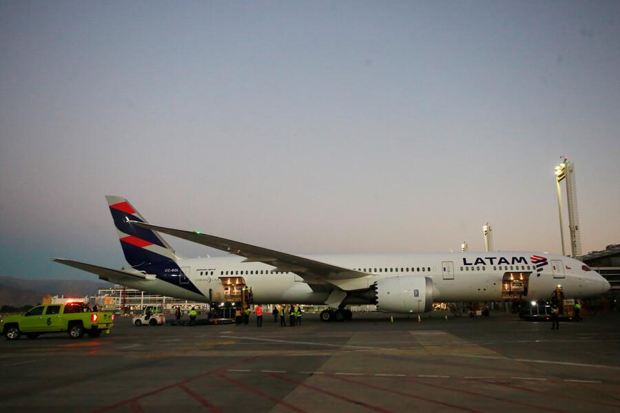 Crisis en Latam: Empresa pide nueva prórroga para presentar reestructuración en noviembre