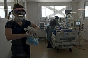 Kinesiólogos denuncian disminución de personal de salud en pandemia