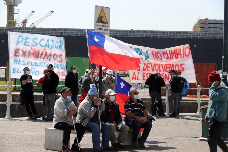 Pescadores que se manifestaron en Muelle Prat consiguen acuerdo con el gobierno