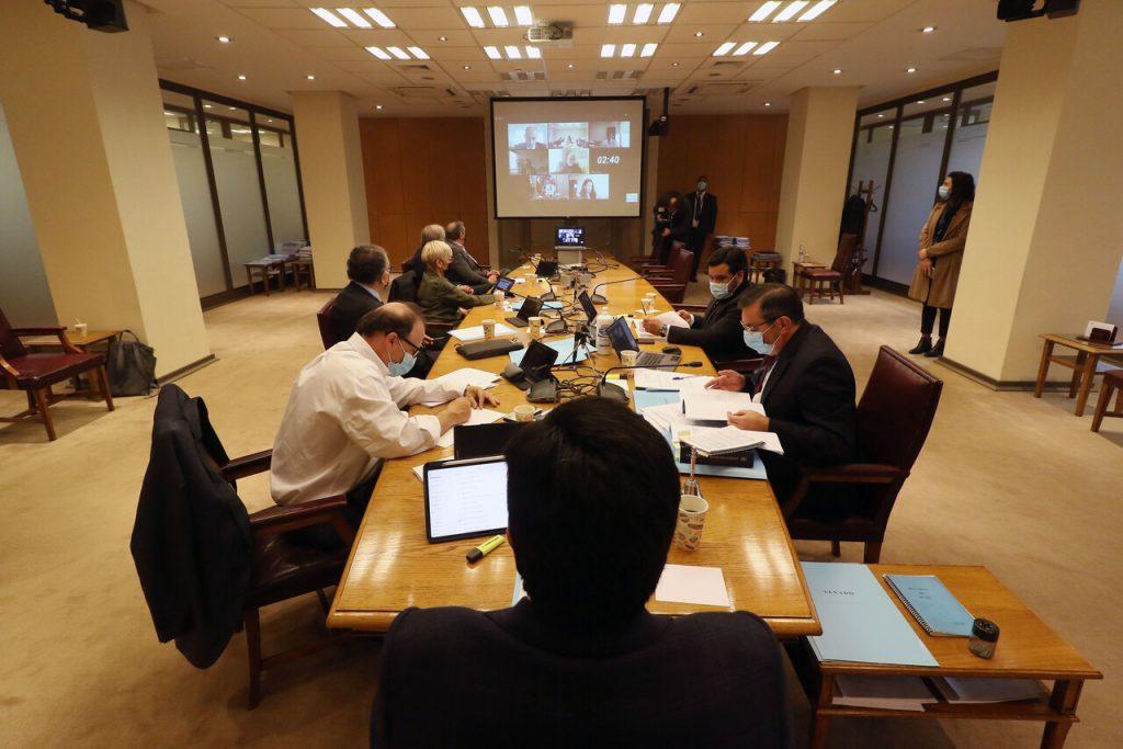 Cuarto retiro del 10% de las AFP es aprobado en Comisión de Constitución del Senado