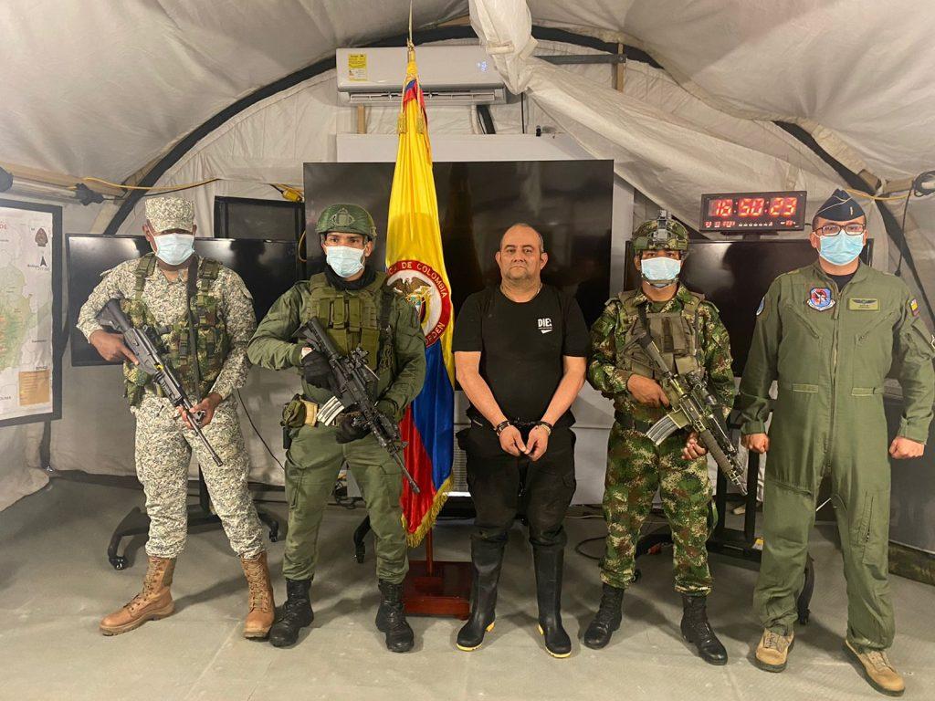 """Capturan a """"Otoniel"""", el narco más buscado de Colombia y comparado con Pablo Escobar"""