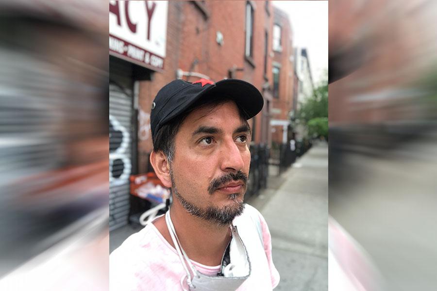 "Carlos Labbé: ""La literatura borgeana quedó atrás"""