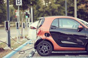 Electromovilidad: Chile venderá solo vehículos eléctricos en 2035