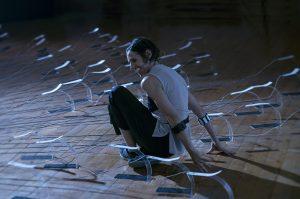 """""""Intersecciones frágiles"""": El cuerpo mediado por la danza y la tecnología"""