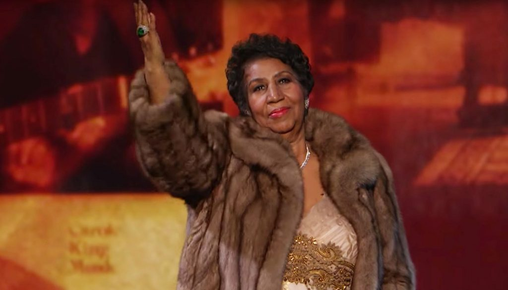 VIDEO| El día que Aretha Franklin emocionó hasta las lágrimas a Obama con «(You make me feel like) A Natural Woman»